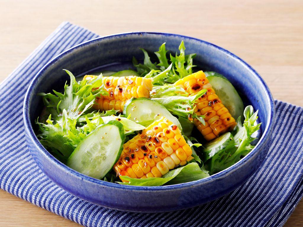 焼とうもろこしのサラダ