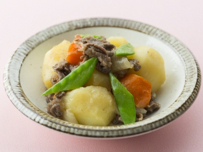 Nikujaga (Japanese Stewed Beef and Potatoes)