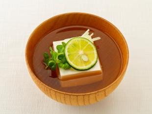 豆腐とすだちのお吸い物