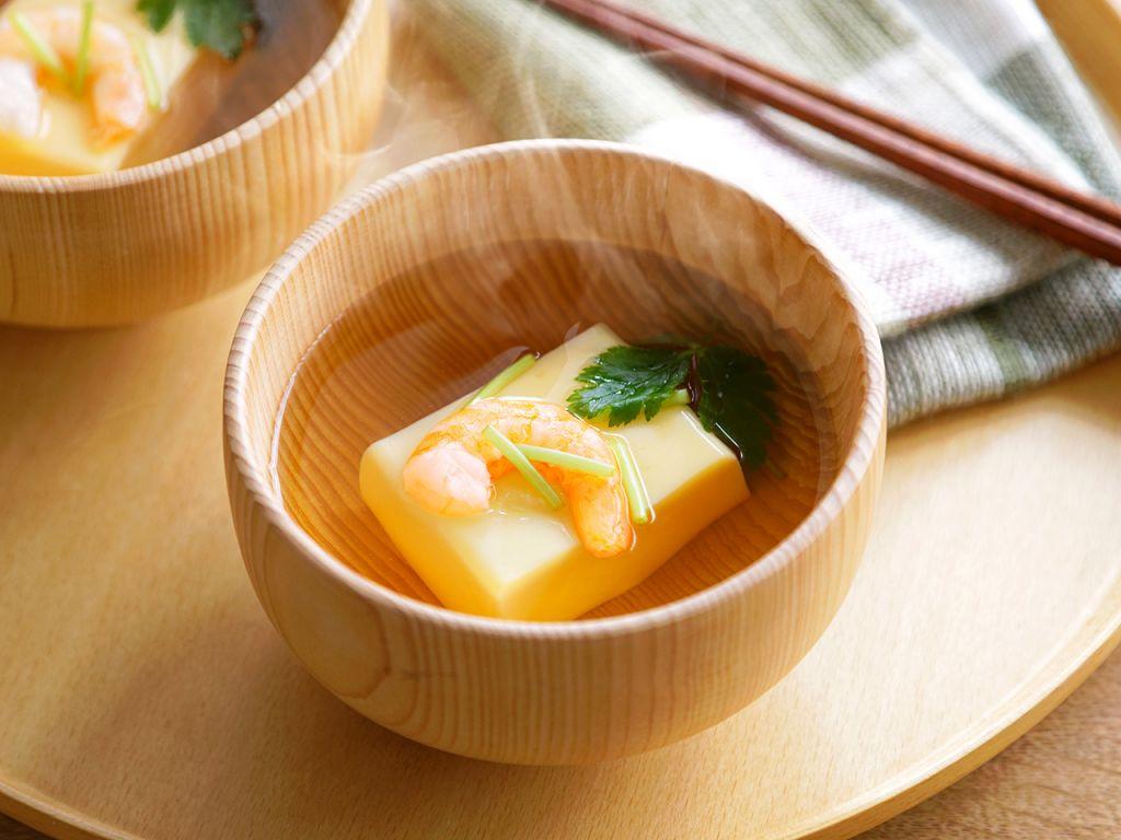 卵豆腐とエビのお吸い物