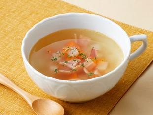 角切り野菜とベーコンのスープ